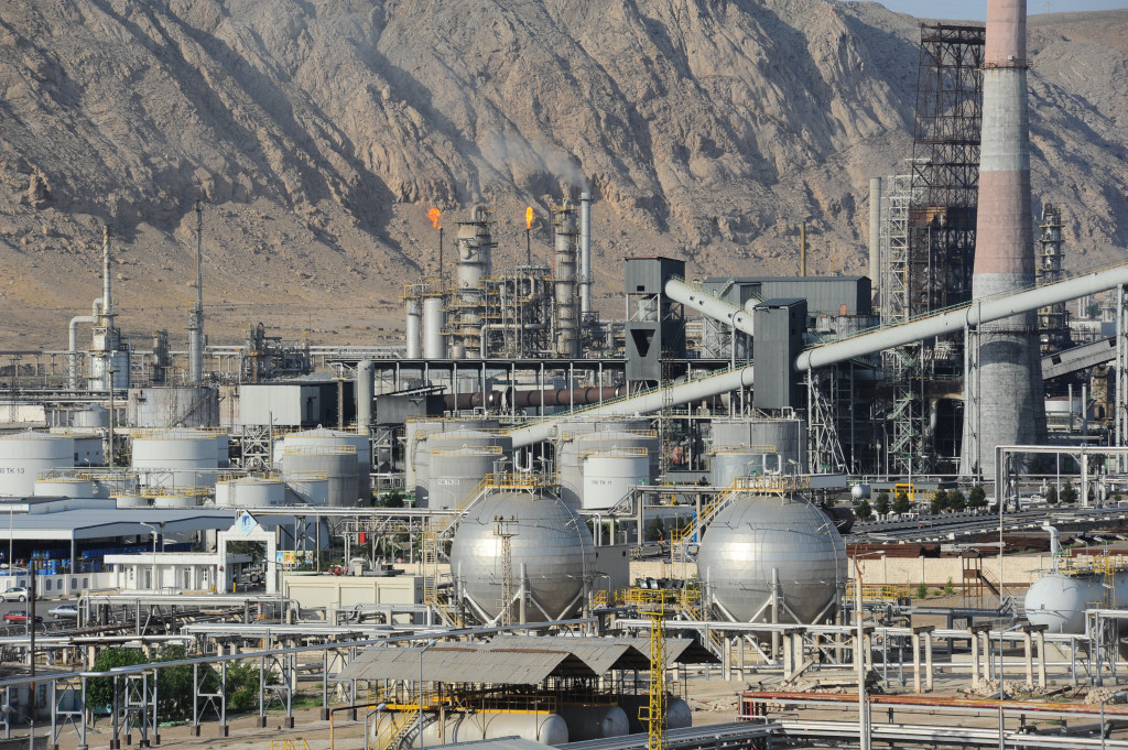 Turkmenistan will buy almost 500 tons of crude oil from foreign companies