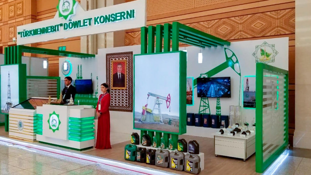 The Turkmenbashi oil processing complex participates in the exhibition dedicated to the anniversary of the independence of the Motherland